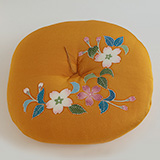 [大石和泉【京友禅】]大石和泉 丸座布団 桜(黄)