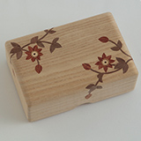 [彫刻工房 小谷純子【京指物】]彫刻工房 小谷純子 桐象嵌 小箱 クレマチス