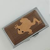 [彫刻工房 小谷純子【京指物】]彫刻工房 小谷純子 ピルケース 蛙