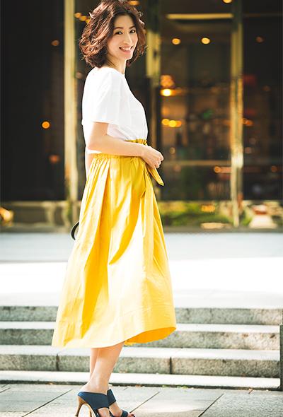 大流行のベルトスカートは思い切ったカラーこそ暑い夏に効きます!
