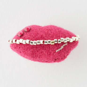 [MONMANNEQUIN]Kiss Brooch