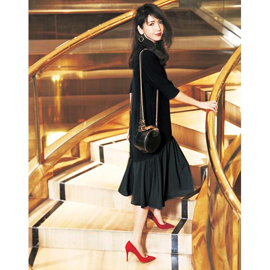 [Vingt Neuf]裾フリルブラックドレス