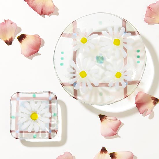 [がらす制作室ヨネザワ]ペア皿 マーガレット